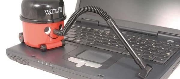 Как самостоятельно почистить ноутбук от пыли и грязи - Магазин техники Цифра